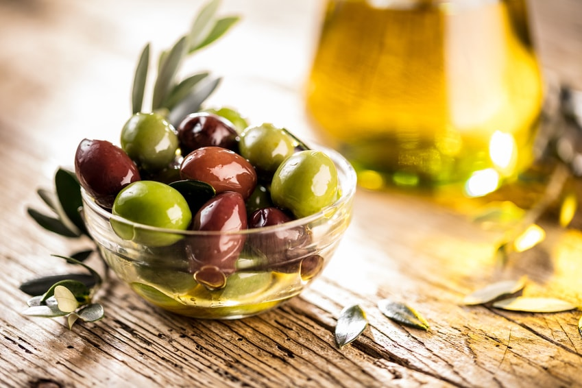 Frische Oliven aus Griechenland
