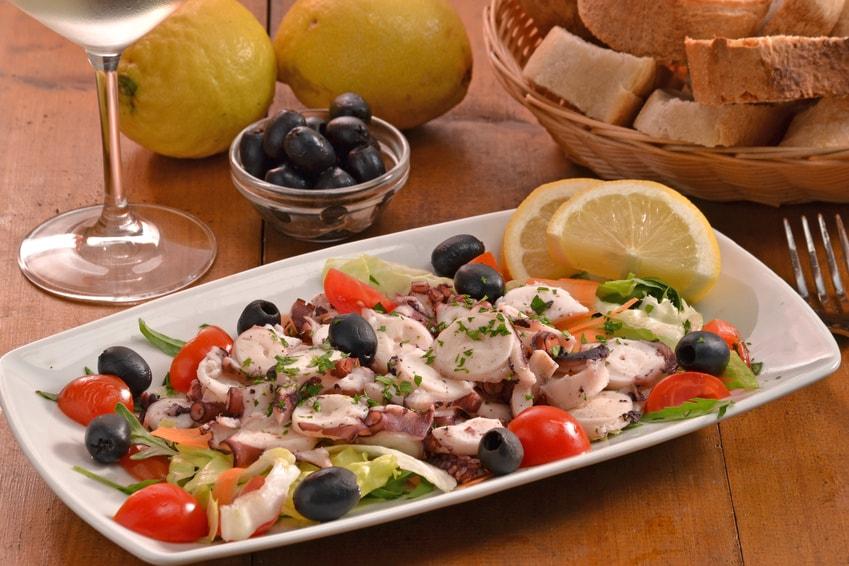 Vorspeiße Calamari Salat