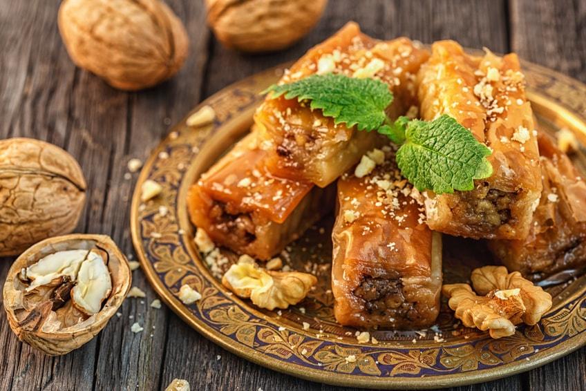 Baklava mit Honig und Walnuss